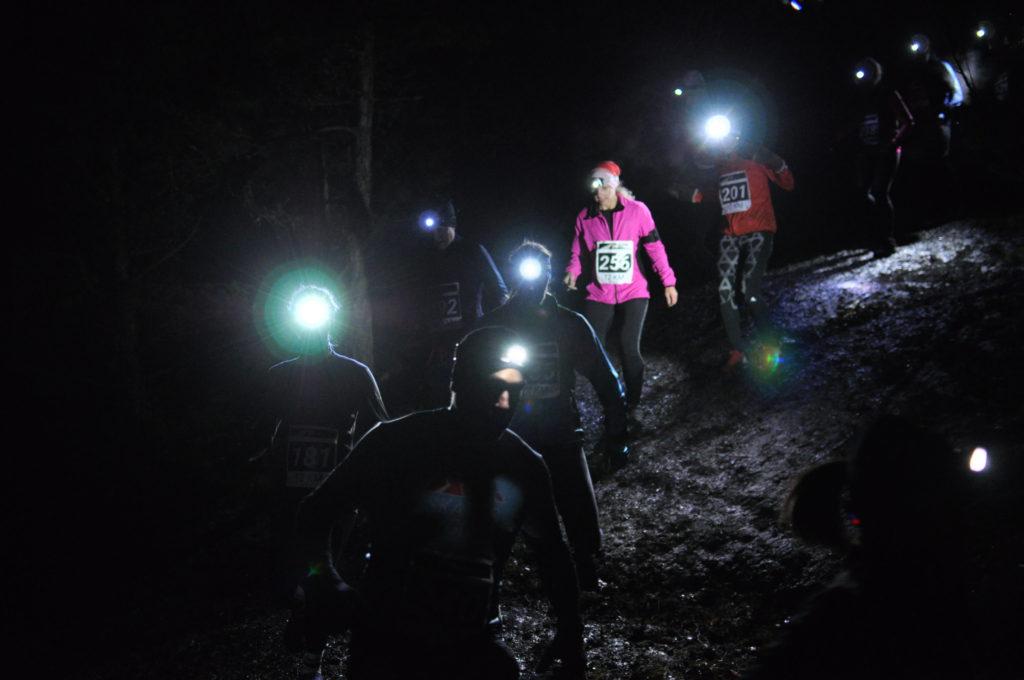 Många löpare ned för första berghällen